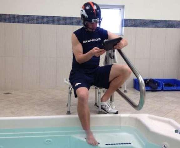 peyton-manning-broncos-cold-tub