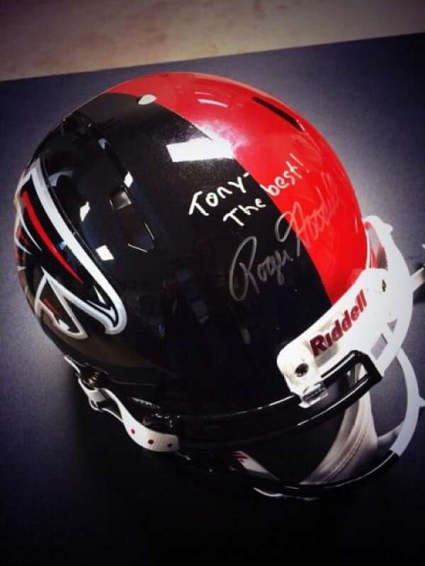 tony-gonzalez-chiefs-falcons-helmet