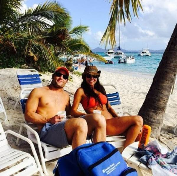 wes-welker-wife-vacation