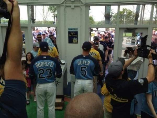 tampa-bay-rays-greet-fans