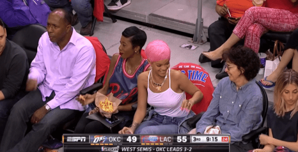 rihanna-braless-nba