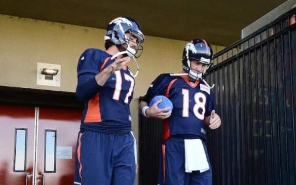 peyton-manning-blue-ball