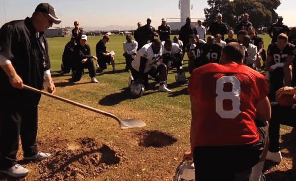 tony-sparano-football-grave