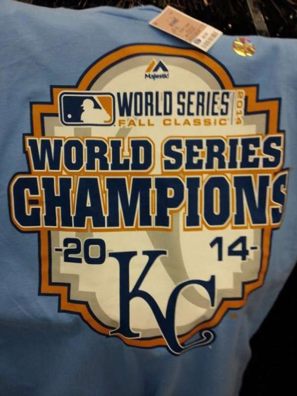 Store in Missouri selling Royals '2014 World Series