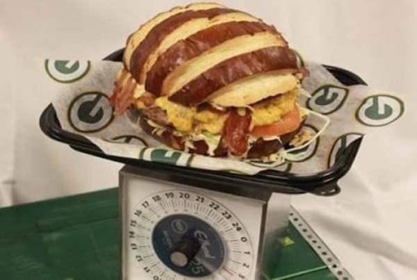 packers-big-game-burger