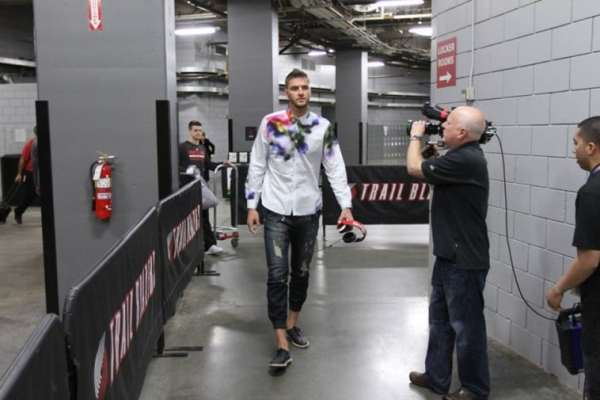 chandler-parsons-clothes-3