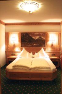 Schlafzimmer Hotel Almhof