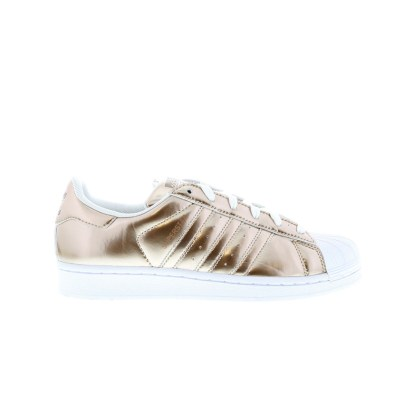 RS101482_Foot Locker_adidas Superstar Liquid Copper Women 315347731002_01-scr