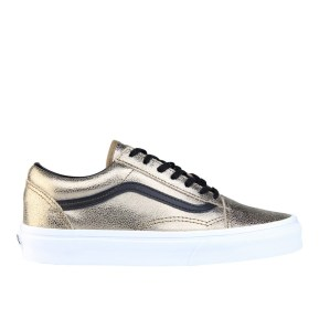 RS101532_Foot Locker_Vans Old Skool Women 315552194102_01-scr