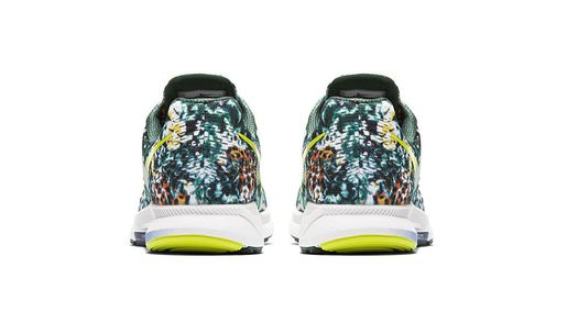 nike-air-zoom-pegasus-33-brazil-rainforest-print-sneaker-back