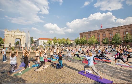 free-happy-yoga-potsdam-luisenplatz-4