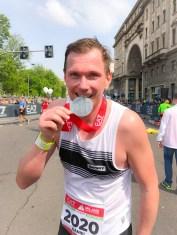 milano-marathon-mailand-sports-insider-finish-medaille