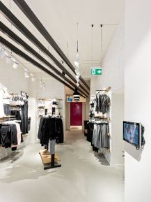 Hunkemoeller-Sport-HKMX-Store-Berlin-Mitte-Shop-12