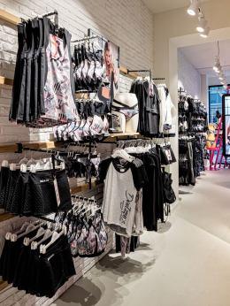 Hunkemoeller-Sport-HKMX-Store-Berlin-Mitte-Shop-24