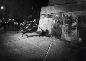 adidas-PureBOOST-DPR-Herren-Laufschuhe-Maenner-Action-2