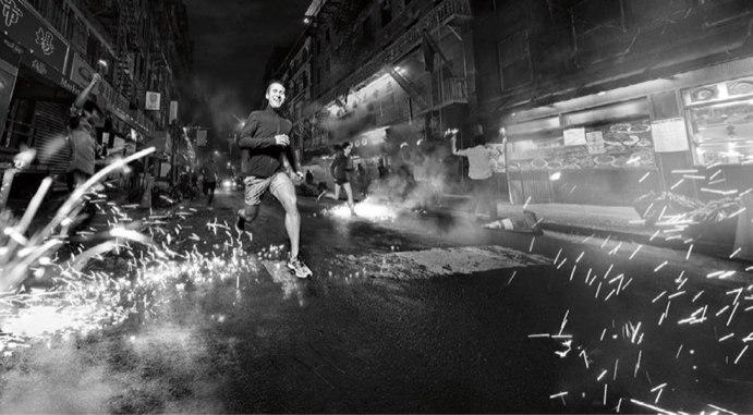 adidas-PureBOOST-DPR-Herren-Laufschuhe-Maenner-Action-4