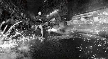 adidas-PureBOOST-DPR-Herren-Laufschuhe-Maenner-Action-5