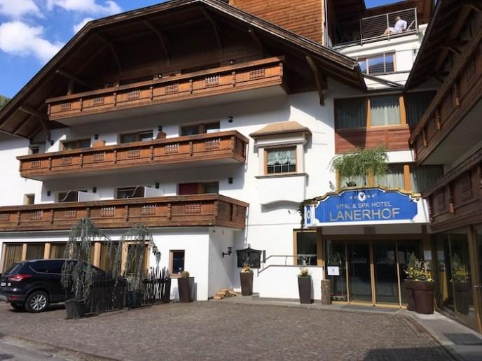 Lanerhof_winkler_hotel_pustertal_Suedtirol_wellness_urlaub_familienhotel_test_kronplatz_outdoor_berge_0123