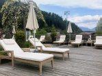 Lanerhof_winkler_hotel_pustertal_Suedtirol_wellness_urlaub_familienhotel_test_kronplatz_outdoor_berge_01_sonnendeck