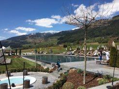 Sonnenhof_winkler_hotel_pustertal_Suedtirol_wellness_urlaub_familienhotel_test_kronplatz_outdoor_berge_012_pool_98
