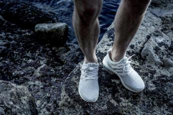 adidas-parley-sneaker-white-coral-ultraboost-oben