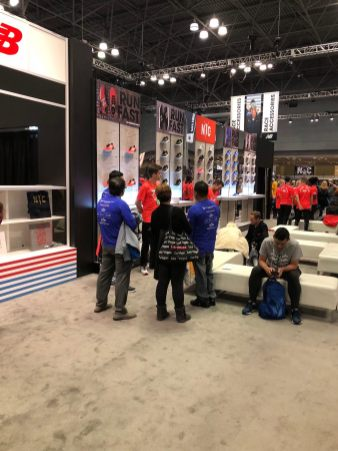 new-balance-stand-marathonmesse-new-york-marathon