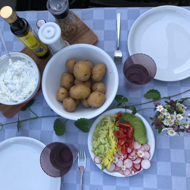 tafel-gesundes-essen-omega-3-leinoel