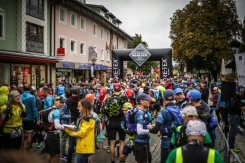 transalpinerun-run2-etappe-1-Garmisch-Partenkirchen-Nassereith-Alpen-Blogger-Trailrunning-2-start-gore-tex