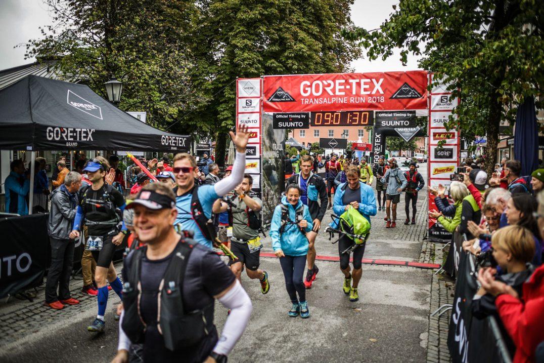 transalpinerun-run2-etappe-1-Garmisch-Partenkirchen-Nassereith-Alpen-Blogger-Trailrunning-3-gore-tex-start