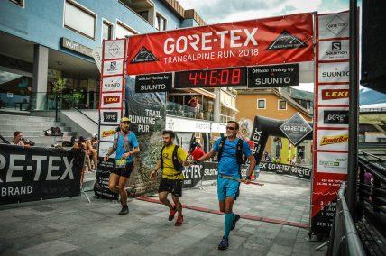 transalpinerun-run2-etappe-2-Nassereith-Imst-Alpen-Blogger-Ziel-Trailrunning-1-gore-tex