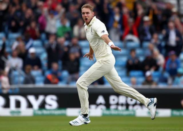 List of bowlers who have taken 500 or more wickets in Test