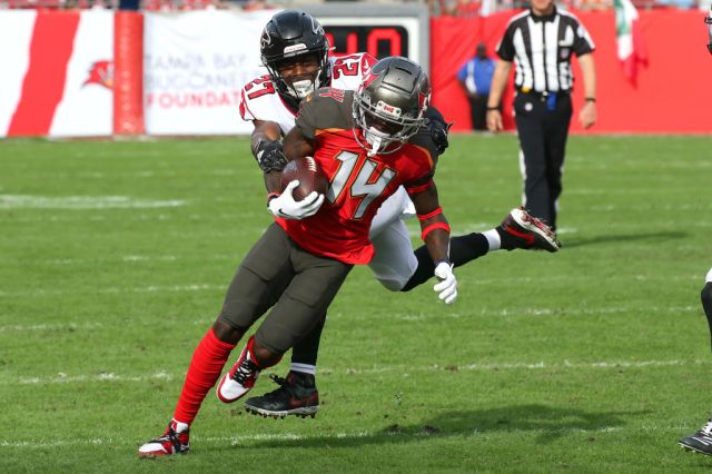 Former 'Last Chance U' Star John Franklin III Has Bright Future With  Buccaneers