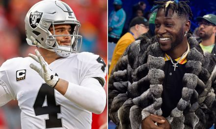 Antonio Brown Sends Birthday Message to Derek Carr
