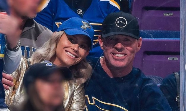 Former MLBer Jim Edmonds Sent Nude Texts to Woman While His Wife Was Pregnant
