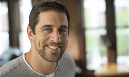 Aaron Rodgers Looking to Stir up More Drama With the Bears On Twitter
