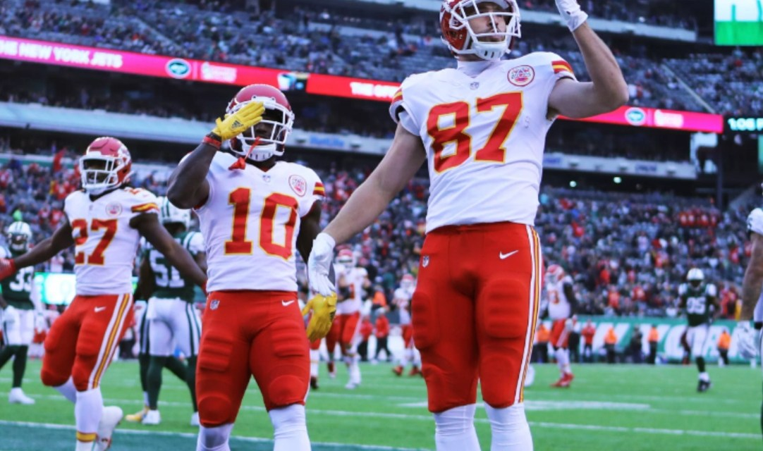 Travis Kelce is Excited to Have Tyreek Hill Back