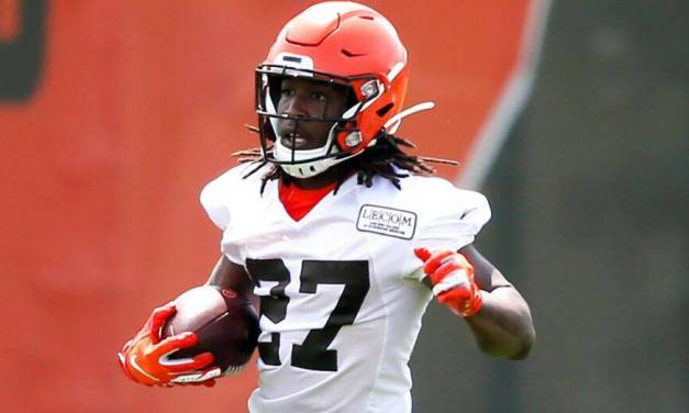 Kareem Hunt Cleared to Practice With the Browns