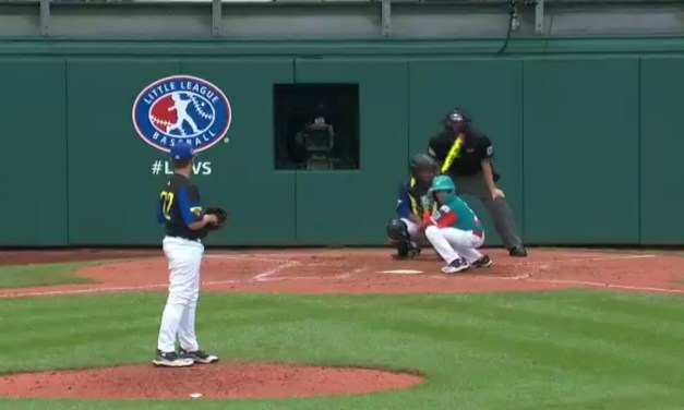 Venezuelan Little Leaguer Uses the Most Ridiculous Batting Stance of All-Time