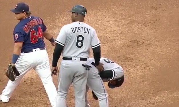 Twins First Baseman Tags White Sox Leury Garcia in the Junk