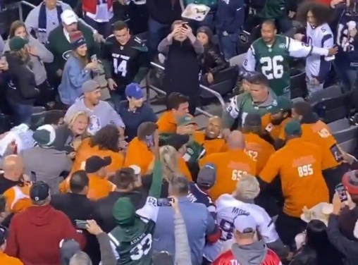 The Jets Had a Ton of Security On Hand to Break Up a Jets Fan Fight