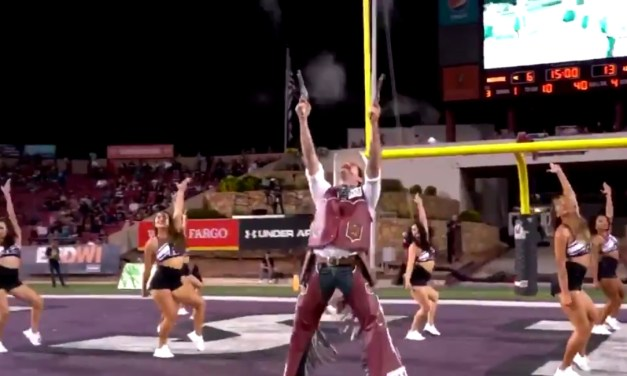 New Mexico State Mascot Pistol Pete Crushed This Performance With the Aggies Cheerleaders