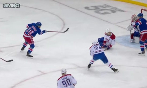 Canadiens Player Left Bleeding from the Mouth After Stopping the Puck With His Face