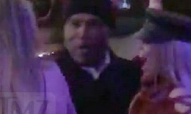 OJ Simpson Spotted Dancing With Two Women At Vegas Bar