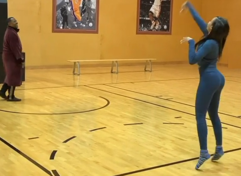 Martin Lawrence's Daughter Goes Viral For Her Hoops Skills