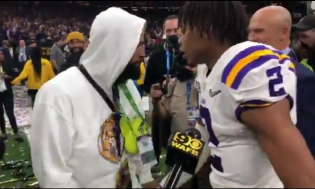 Odell Beckham Seen Handing Out Handfuls of Cash to LSU Players on the Field After the National Championship Game