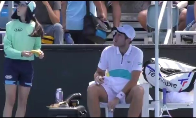 Umpire Makes Tennis Player Peel His Own Banana After He Attempted to Get a Ball Girl to Do it for Him