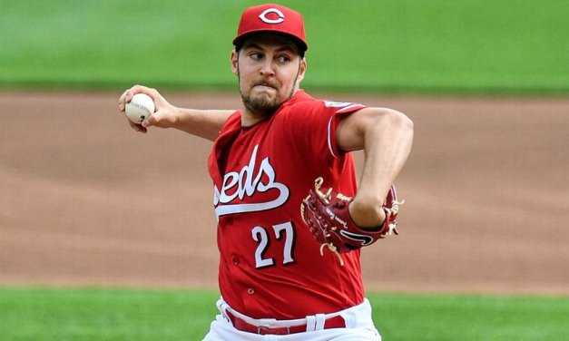 Bauer 1st pitcher in Reds history to win Cy Young
