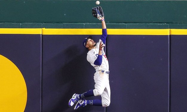 Dodgers' Betts awarded 5th straight Gold Glove