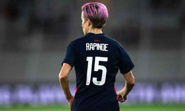 Rapinoe: I wear USWNT jersey 'for equal pay'
