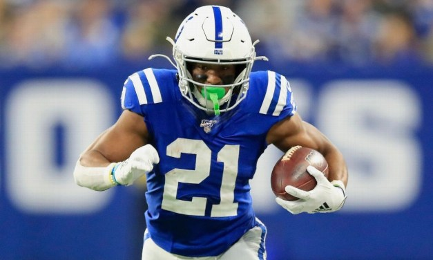 Colts extend Hines with deal in top 10 for RBs